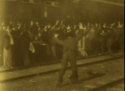"""Now, that's a stick-up! Some dope always tries to make a run. """"The Great Train Robbery"""" (1903)"""