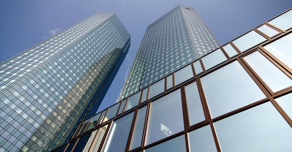 Deutsche Bank headquarters in Frankfurt, Germany. (Photo: orkomedix. CC-BY-NC-SA.